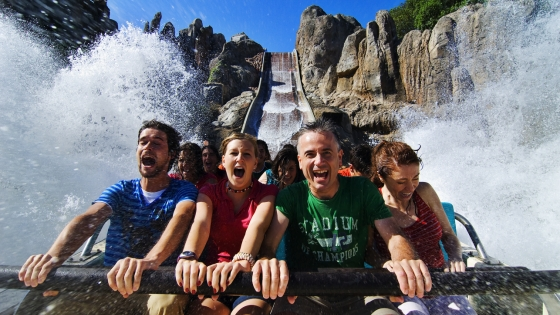 Thrilling theme parks nearby to visit