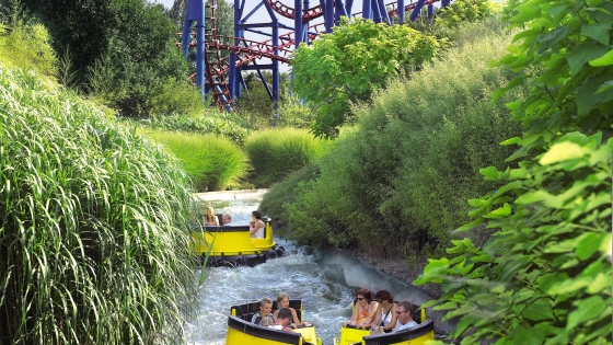 Fantastic theme parks nearby